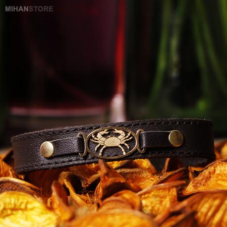 دستبند چرم طرح ماه تولد مرداد